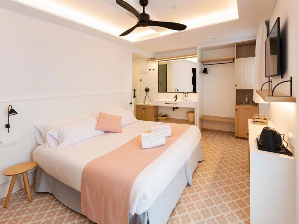 Rehabilitació Hotel Neptuno